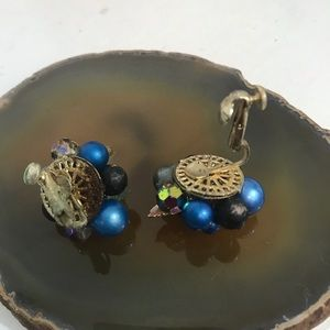 Vintage Jewelry - VINTAGE VENDOME Blue Cluster Clip Earrings